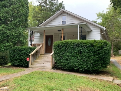Warren County Single Family Home For Sale: 41 Half Way House Rd