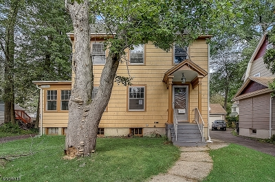 Single Family Home For Sale: 1239 Lansdowne Ter