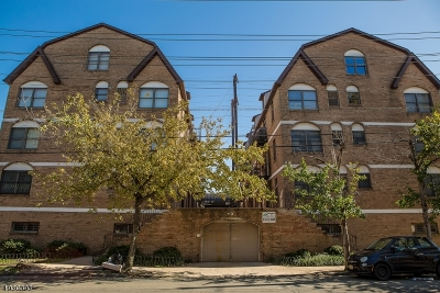 Essex County Condo/Townhouse For Sale: 63-69 Rome St #2R