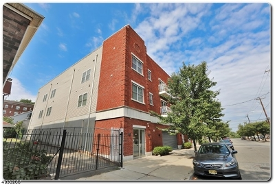 Essex County Condo/Townhouse For Sale: 37-39 Freeman St #D1