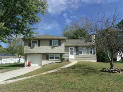 North Cape May Single Family Home For Sale: 2 Glade Drive