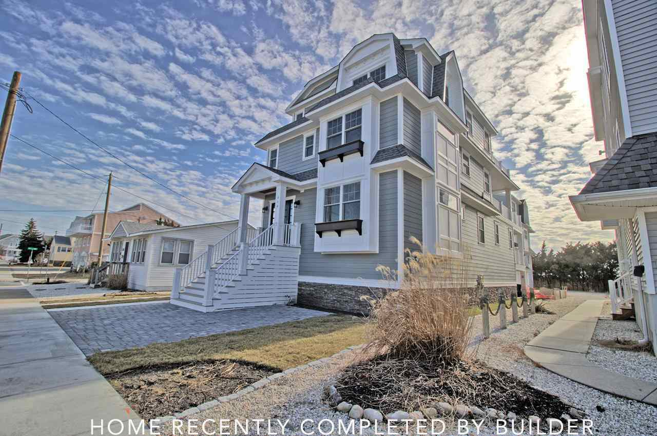 5 Bed 5 Full 2 Partial Baths Home In Avalon For 1 695 000
