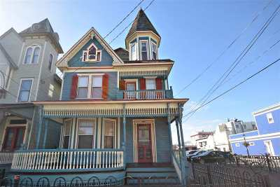 Single Family Home For Sale: 132 Decatur Street