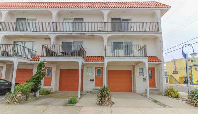Wildwood Townhouse For Sale: 4101 Ocean Avenue #2