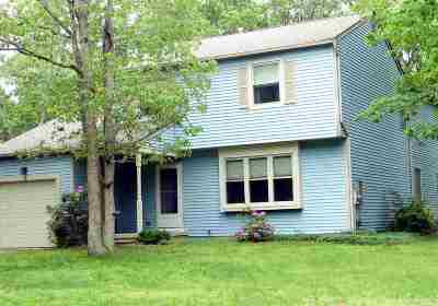 Single Family Home Under Contract: 8 Belcroft