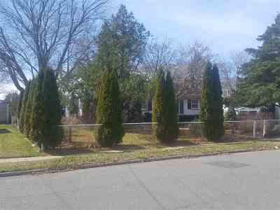 Rio Grande, Shannon Oaks Single Family Home For Sale: 205 Linden Lane