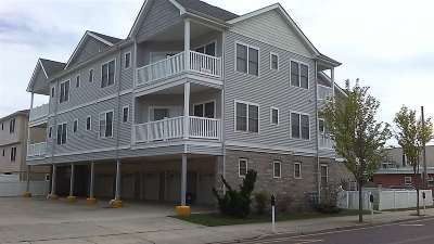 Wildwood Condo Act-Limited Rep.: 201 E Roberts Ave #302