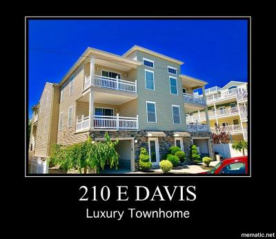 Wildwood Townhouse For Sale: 210 E Davis Avenue #West Sid