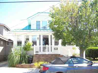 Wildwood Single Family Home For Sale: 207 W Poplar Avenue