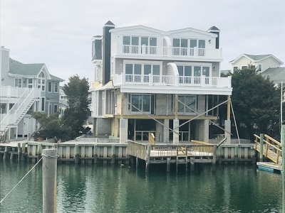 Avalon Townhouse Under Contract: 2407 Harbor Avenue #South