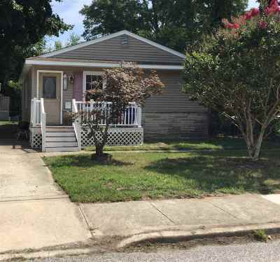 Single Family Home For Sale: 208 Way Road