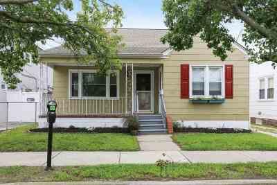 Wildwood Single Family Home For Sale: 308 E Hand Avenue
