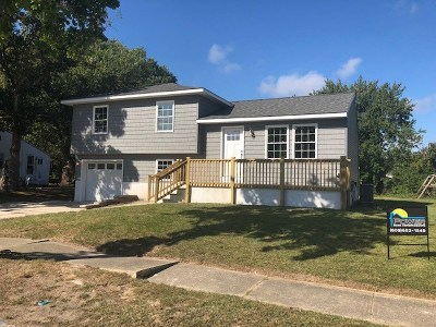 North Cape May Single Family Home For Sale: 67 Beachhurst Drive