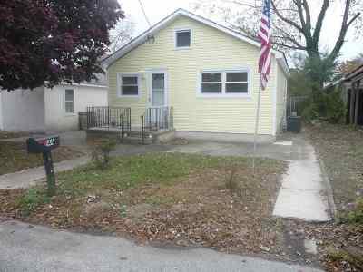 Single Family Home For Sale: 144 E Bates