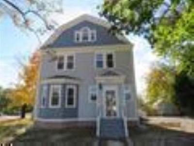 Single Family Home For Sale: 817 Dehirsch Avenue