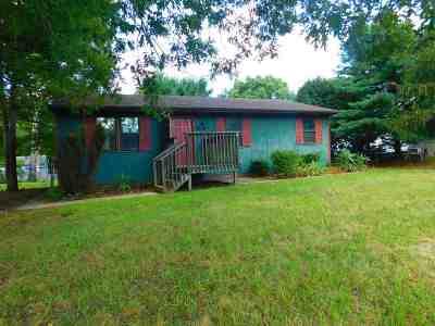 Single Family Home For Sale: 909 Upper Bridge Road