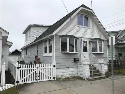 Wildwood Single Family Home For Sale: 324 W Poplar Avenue
