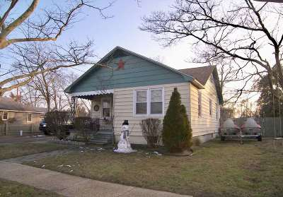 Single Family Home For Sale: 13 Pershing Avenue