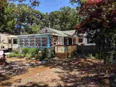 Single Family Home For Sale: 251 Cloverdale Avenue