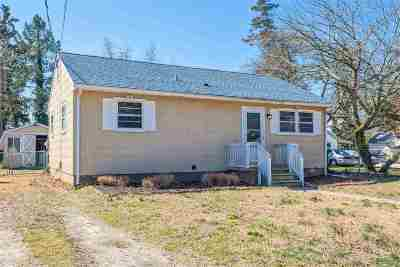 Single Family Home For Sale: 142 W Delaware Parkway