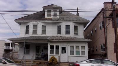 Wildwood Single Family Home For Sale: 211 E Baker Avenue