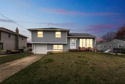 North Cape May Single Family Home For Sale: 706 Pilgrim Plaza