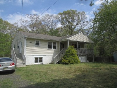 Single Family Home For Sale: 300 Goshen Road