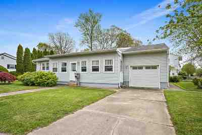 North Cape May Single Family Home For Sale: 243 Roseann Avenue