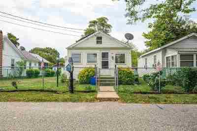 Villas Single Family Home Under Contract: 128 Pennsylvania Avenue