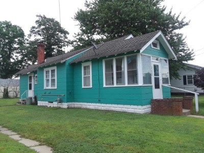 Single Family Home For Sale: 111 W Pacific Avenue