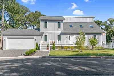 Single Family Home For Sale: 2700 Bay Drive