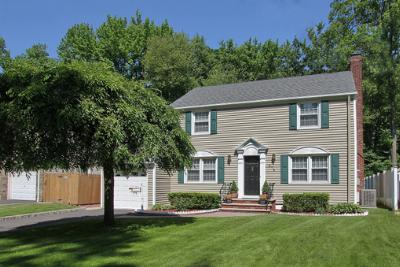 Single Family Home Sold: 574 Schuyler Way