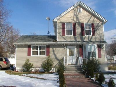 Single Family Home For Sale: 407 Rock Ave