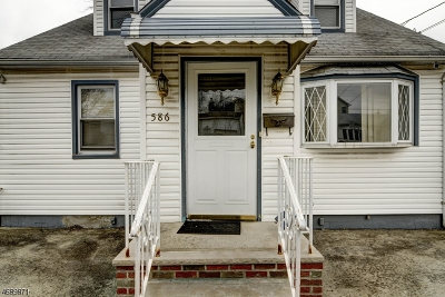 Woodbridge Twp. Single Family Home For Sale: 586 Mereline Ave