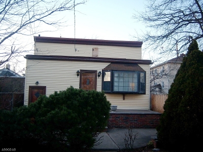 Bloomfield Twp. Single Family Home For Sale: 7 Salter Pl