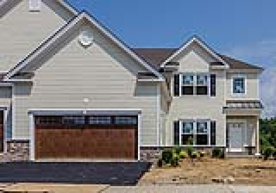 Randolph Twp. Condo/Townhouse For Sale: 8 Country Club Dr