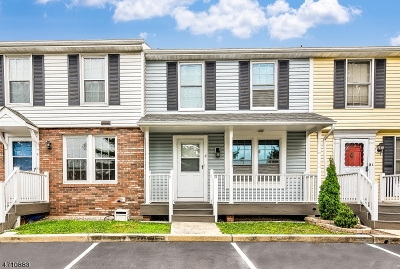Perth Amboy City Condo/Townhouse Active Under Contract: 4 Dayna Ct