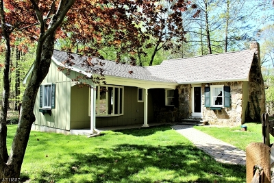 Califon Boro, Tewksbury Twp. Single Family Home For Sale: 19 Sutton Rd