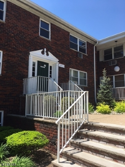 Parsippany Condo/Townhouse For Sale: 201-5 N Beverwyck Rd