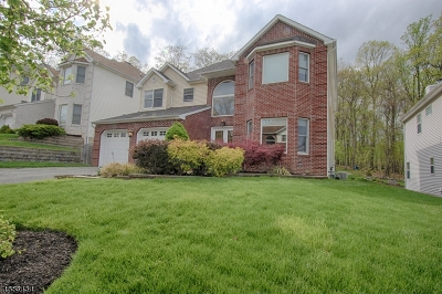 Parsippany-Troy Hills Twp. Single Family Home For Sale: 106 Seasons Glen Dr