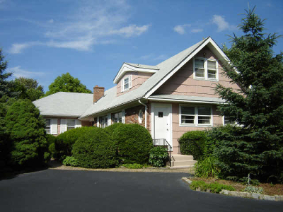 Livingston Twp. Single Family Home For Sale: 333 Walnut St