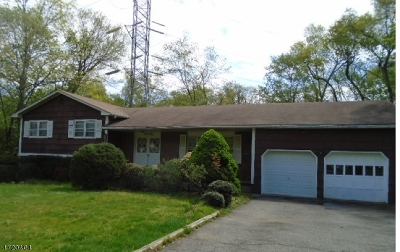Livingston Twp. Single Family Home For Sale: 32 Wingate Dr
