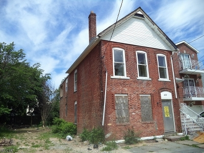 Newark City NJ Multi Family Home Sold: $69,900 (2-Family)