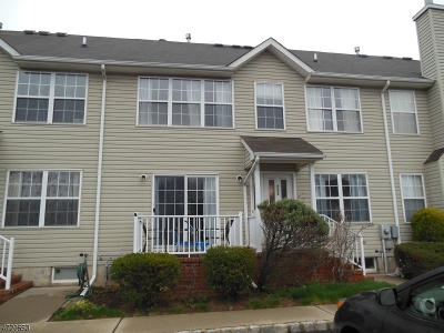 Piscataway Twp. Condo/Townhouse For Sale: 255 Vasser Dr