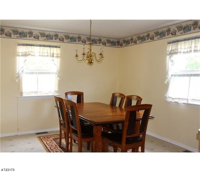 Piscataway Twp. Condo/Townhouse For Sale: 140 Keswick Dr