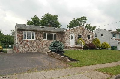 Edison Twp. Single Family Home For Sale: 56 Rieder Rd