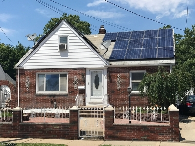 Perth Amboy City Single Family Home For Sale: 576 Harding Ave