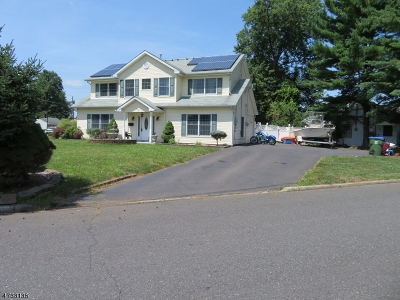 Edison Twp. Single Family Home For Sale: 55 W Knollwood Rd