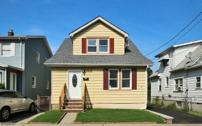 Single Family Home Under Contract: 3 Zeliff Ave