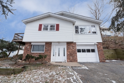 Roxbury Twp. Single Family Home For Sale: 4 Cobb Pl